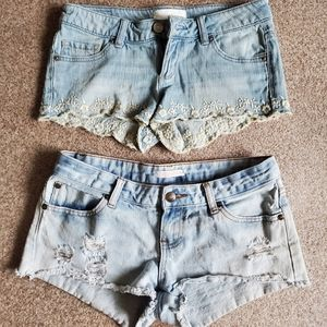 🌵Garage/Ardene Light Wash Denim Shorts
